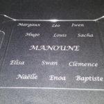 plateau plexi gravé avec des prénoms