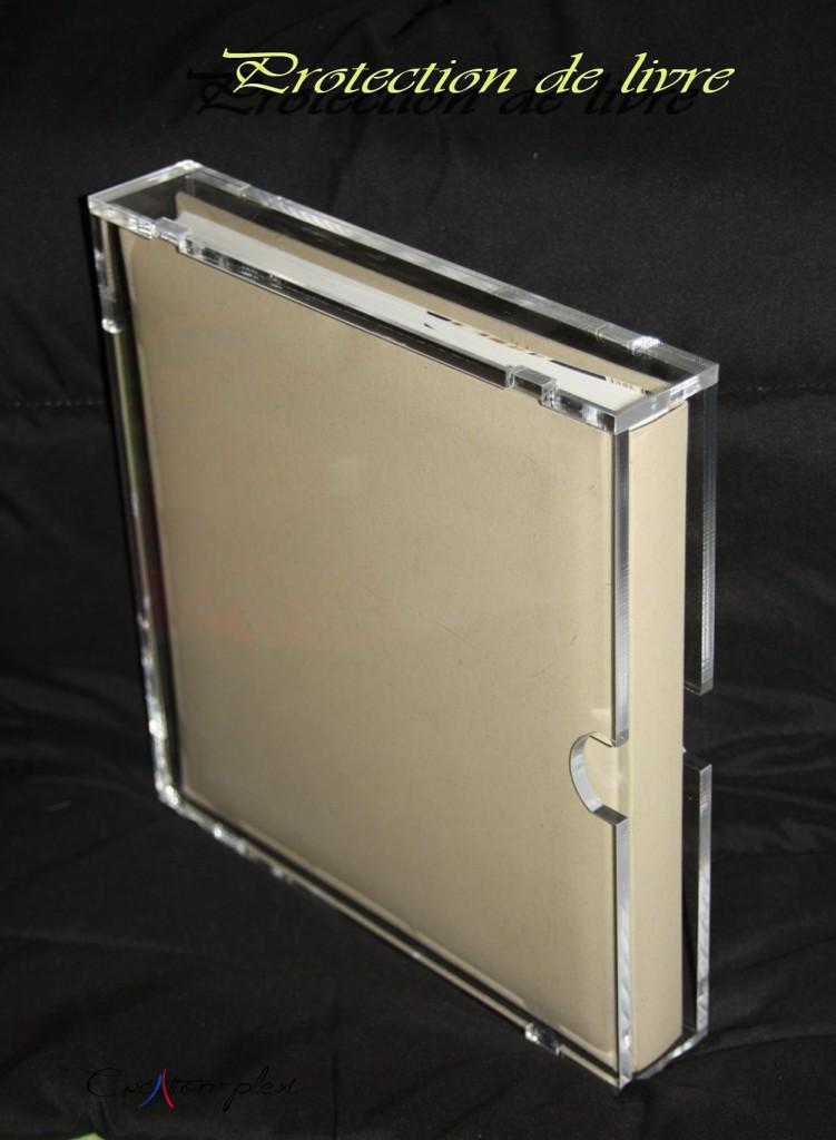 boite pour livre en plexiglas