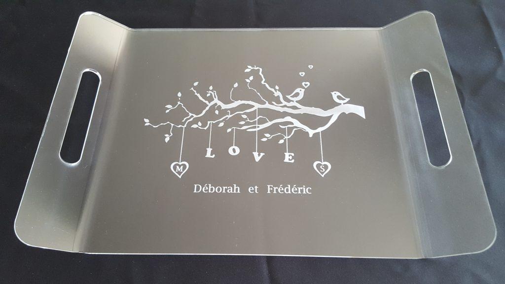 plateau-de-mariage-en-plexiglas-gravé