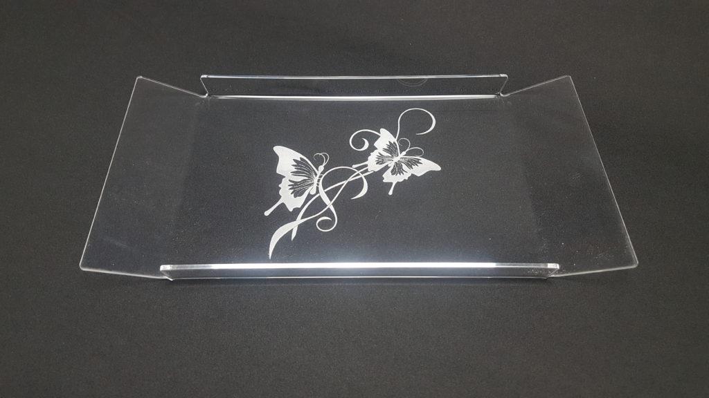 petit plateau gravé papillons