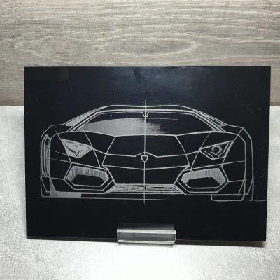 gravure auto su plexiglas noir