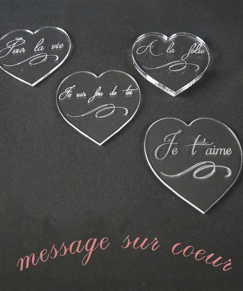 message sur coeur en plexiglas