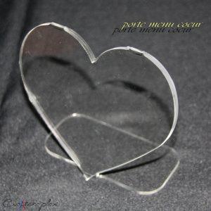 porte menu coeur en plexiglas plié sur pied