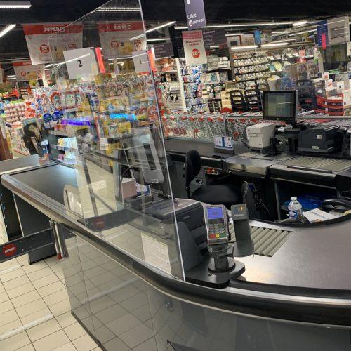 protection caissière supermarché plexiglas